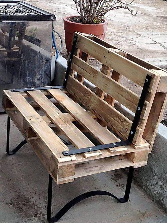 Sofá para exteriores con palleta de madera reciclados
