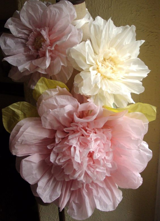 Flores enormes con papel de seda