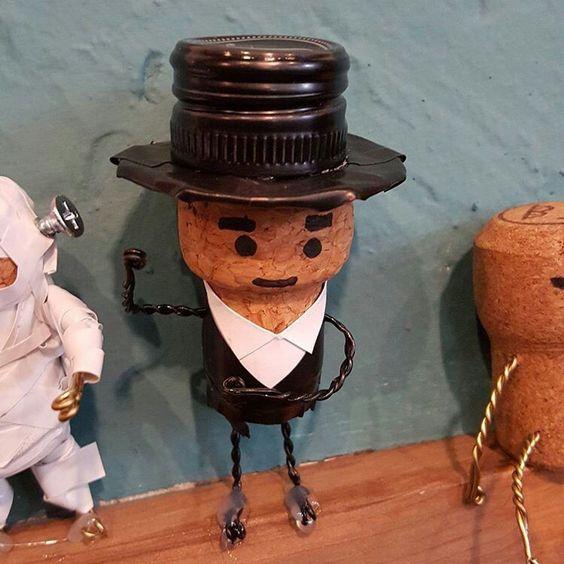 Muñeco de corcho
