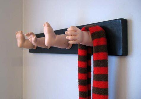 decoracion de salas recicladas con muñecos