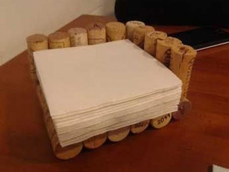 Manualidades con tapones de corcho: servilletero