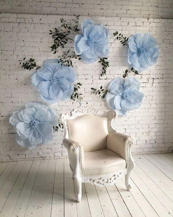 Decoración para eventos con flores de papel: