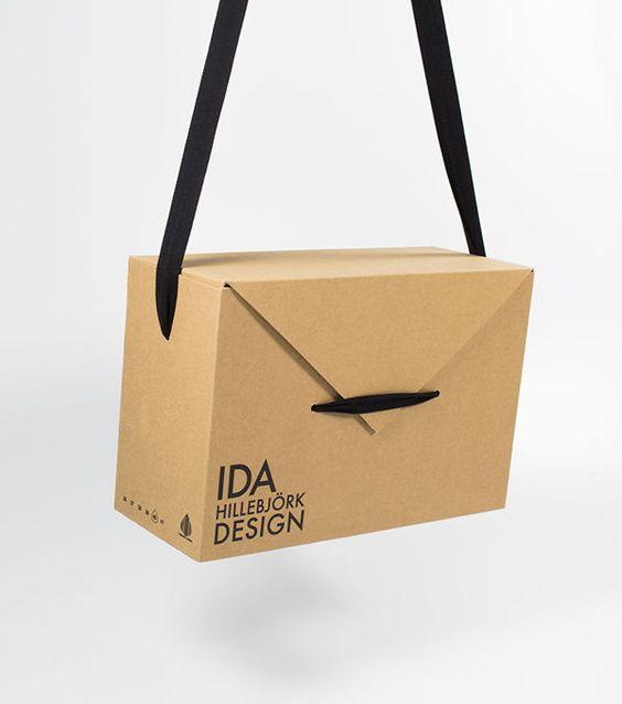 bolso de cartón reciclado con cajas de zapatos