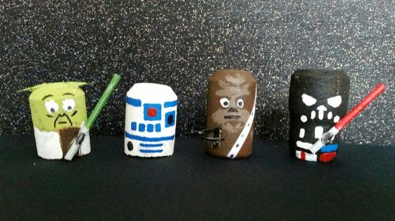 DIY Star Wars cork fun! Great craft to do with the little Star Wars fans in your house.