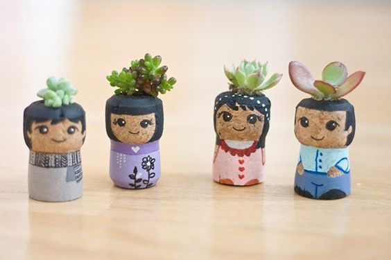 Reclaimed-Champagne-Cork-Succulents-Etsy-Earth-Day.jpg (620×413)