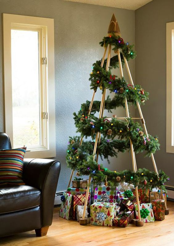 DIY alternative Christmas trees made out of recycled or up cycled objects | Via www.sweethings.net: