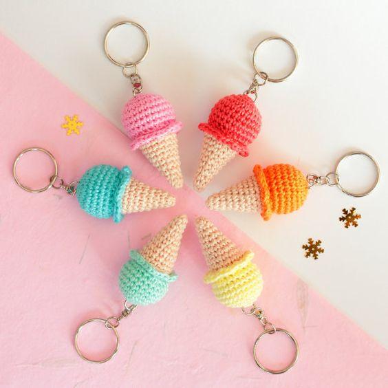 Clave hielo crochet, llavero amigurumi cornet hielo, llavero de hija, llaveros de verano: