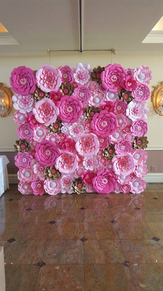 34 sencillas ideas de flores de papel para decoraci n top for Papel para paredes salon