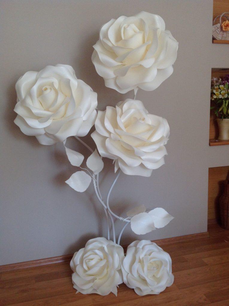 34 sencillas ideas de flores de papel para decoraci n top - Papel para salon ...