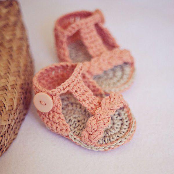 Sandalias de ganchillo para bebes
