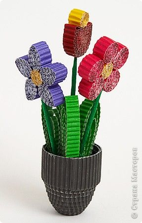 "quilling w/ corrugated papaer Master Class Kvilling ""Bouquet in a Vase"" (phased description) Corrugated March 8:"