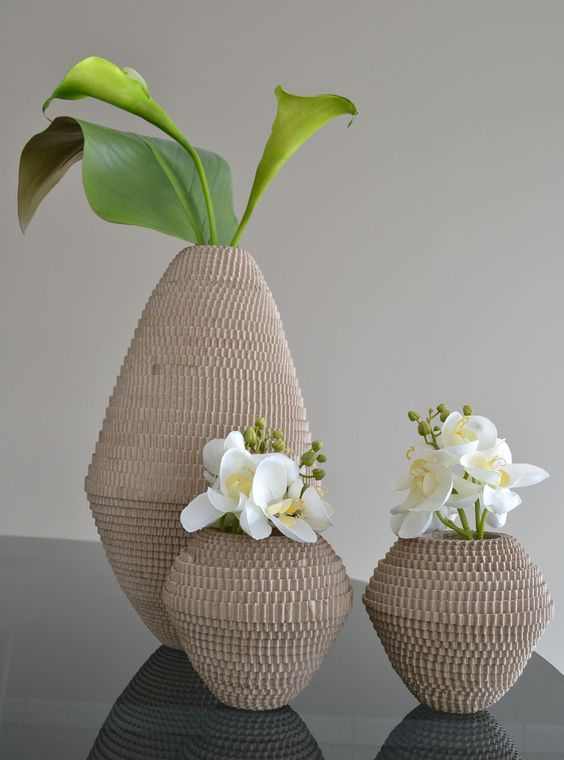 Jolis vases en carton ondulé avec fleurs artificielles haut de gamme !!!: