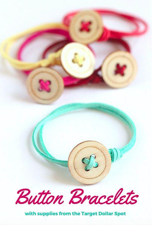 Un modelo de pulsera con botones muy sencillo y bastante bonito.: