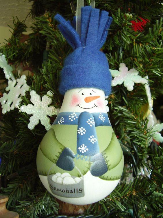 Bombillos reciclados navideños