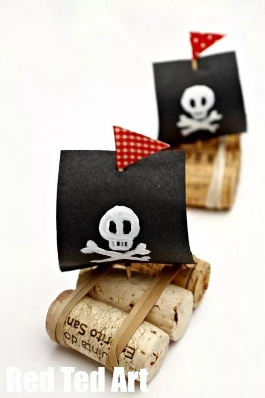 Manualiadades Recicladas: Barco pirata con corchos: