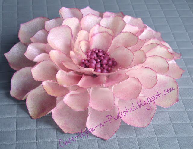 flor con papel arroz rosa