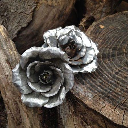 flores con papel plateado