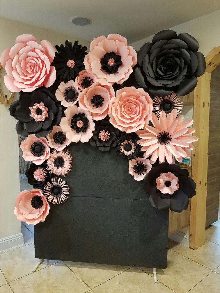34 sencillas ideas de flores de papel para decoraci n top for Rosas de papel