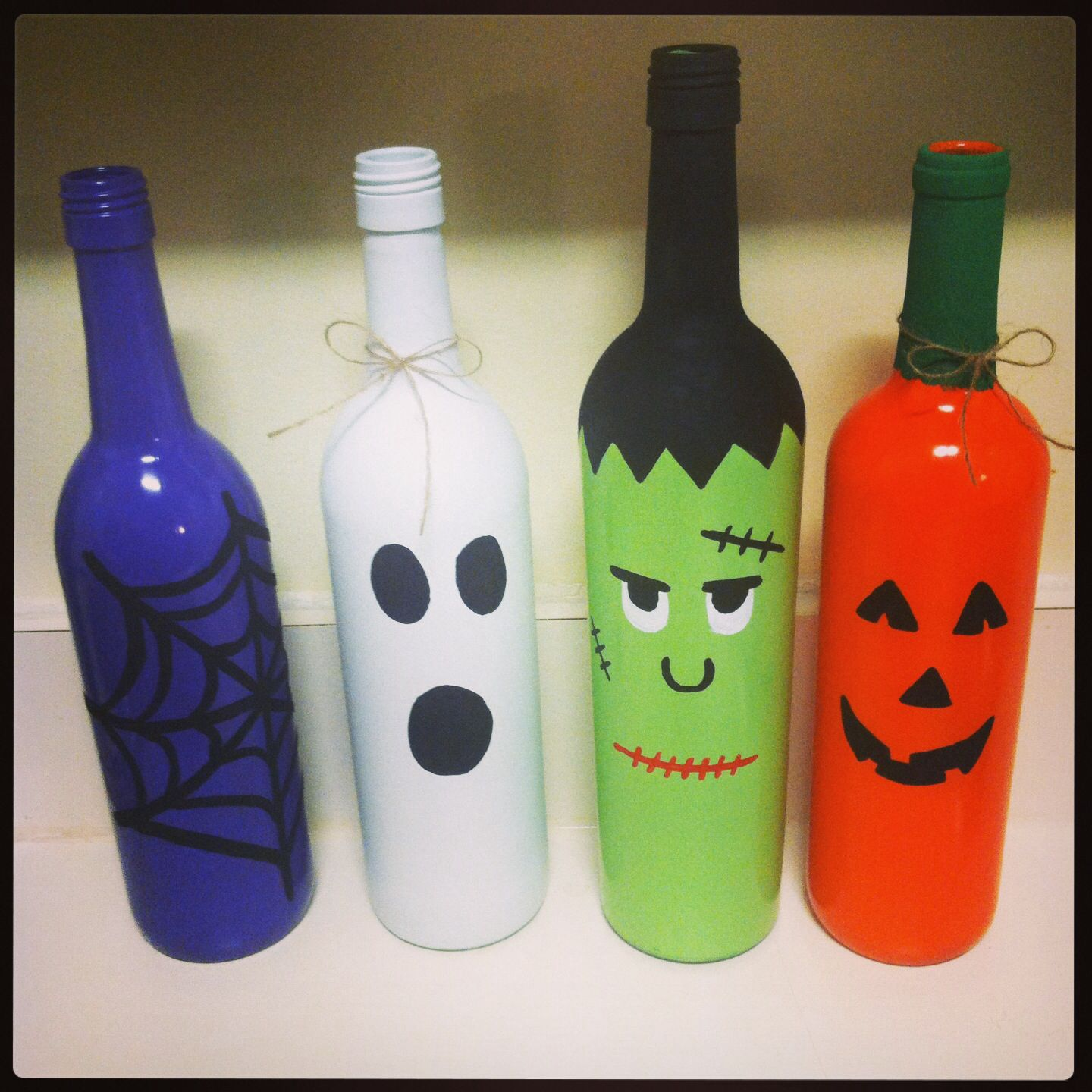 reciclaje de halloween para decorar con botellas