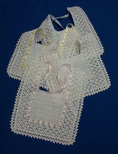 baberos al crochet para souvenir