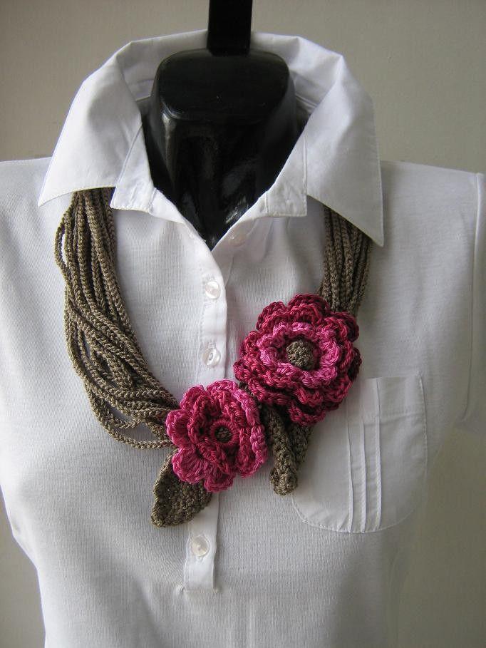 bufanda de flores de ganchillo