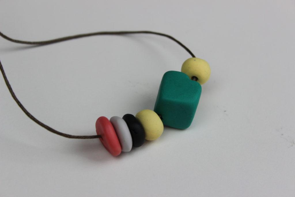 collares de fimo de colores
