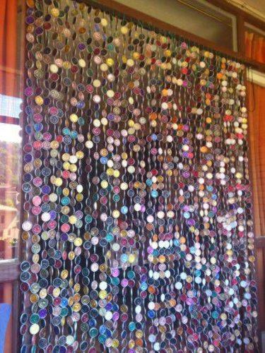 cortina de cápsulas de café