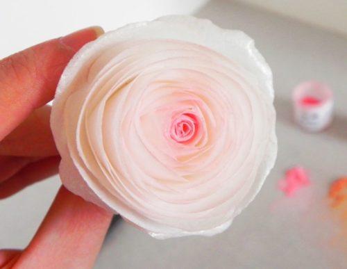 28 tutoriales sencillos de flores de papel arroz