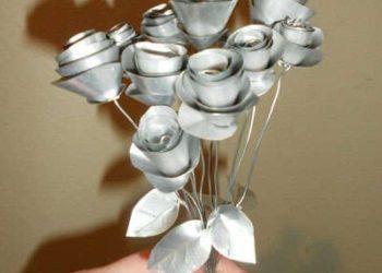 11 ideas fáciles de flores de papel de aluminio y latas