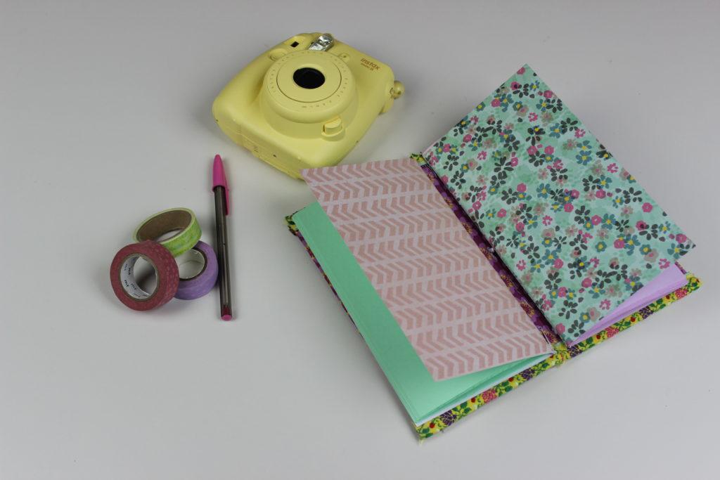 cuaderno de scrapbook de viaje