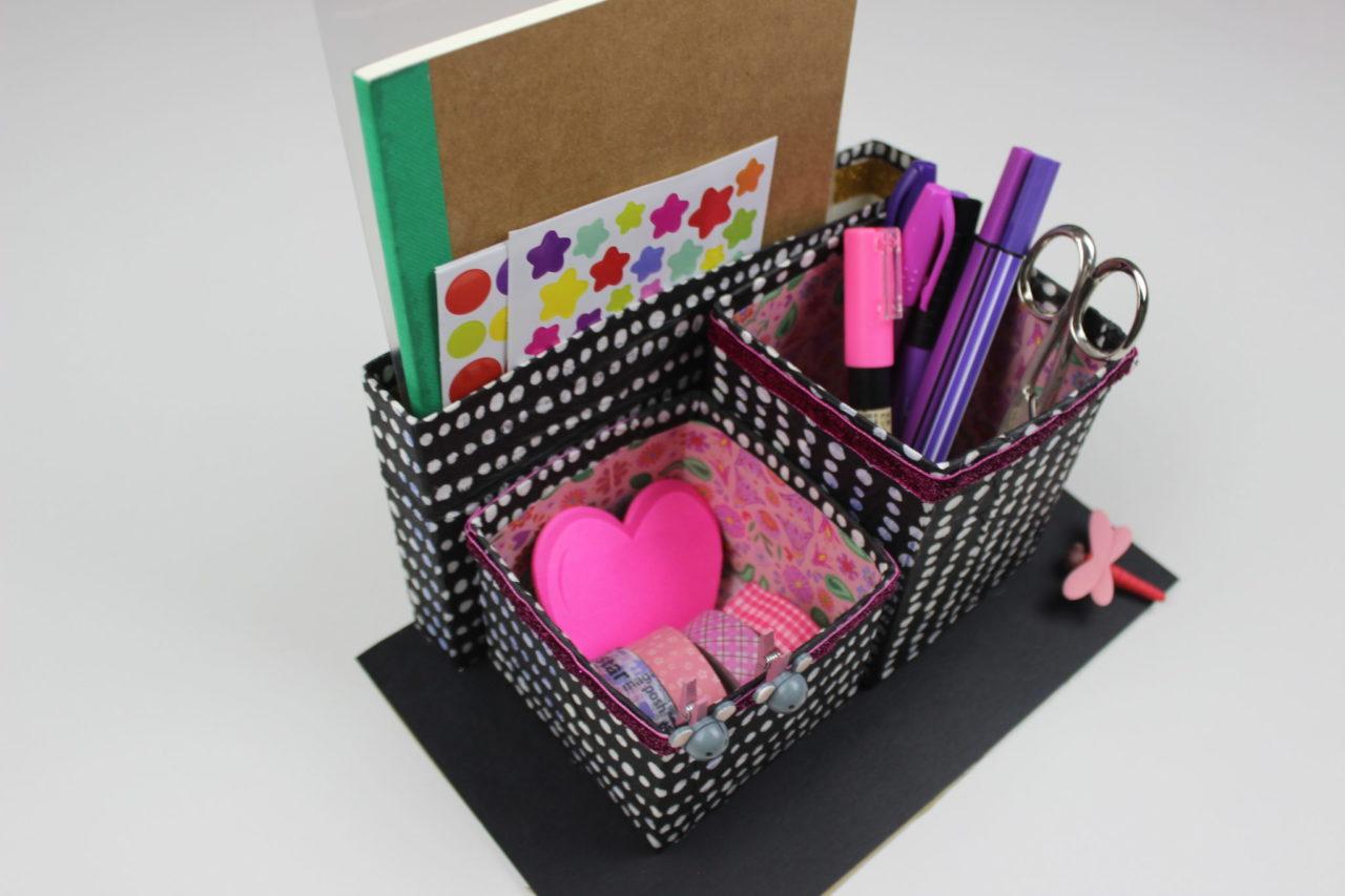 Con carton arbol de navidad con carton de huevos for Arbol de navidad con cajas de carton