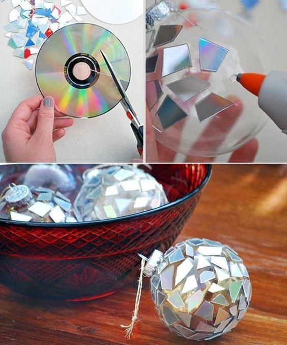 bola para el árbol con fragmentos de CD