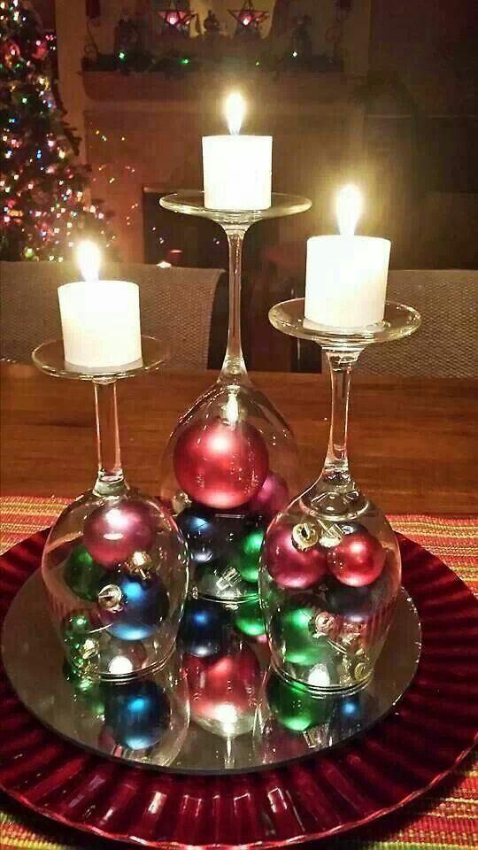 bolas de Navidad en copas