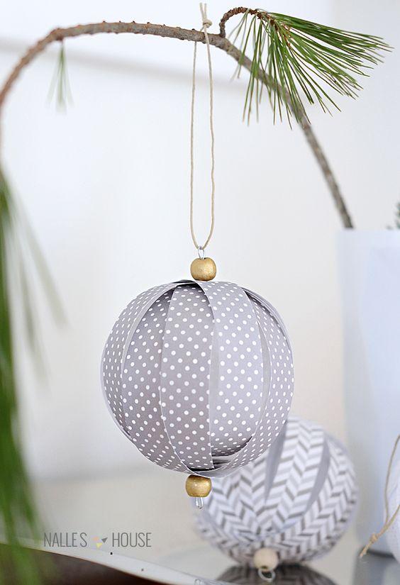 como hacer bolas de navidad con papel