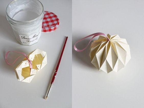 como hacer bolas de navidad de scrap