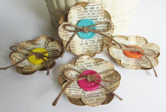 flores de papel vintage con botones