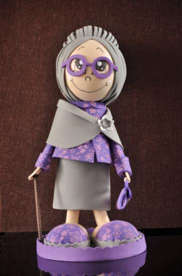muñeca fofucha de abuela