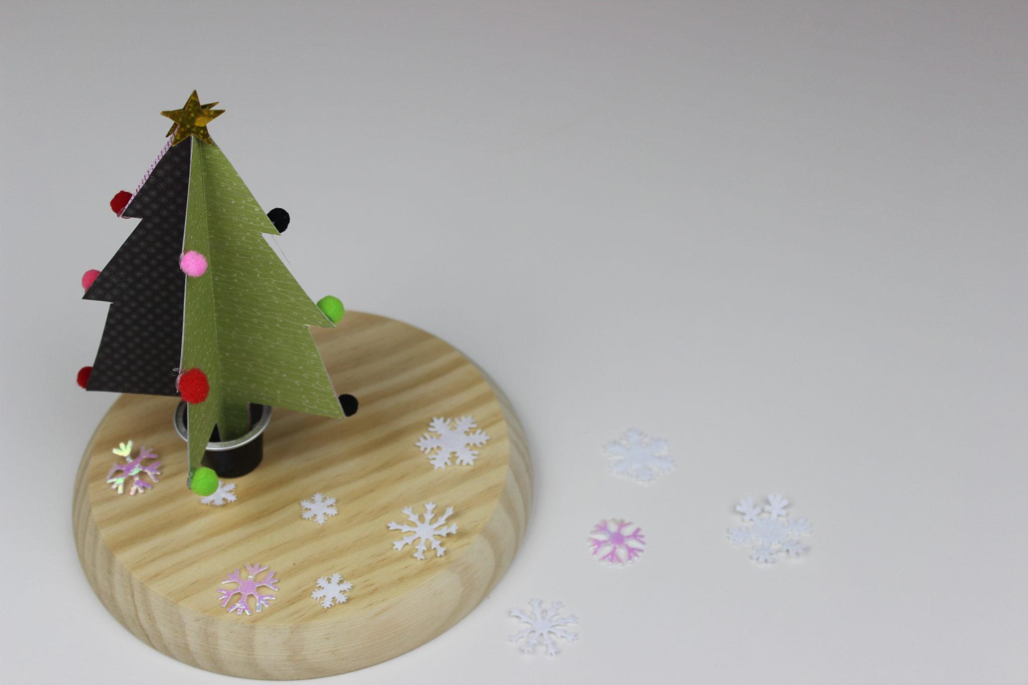 arboles de papel navideños