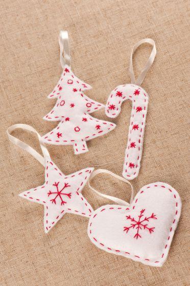 Adornos de fieltro de navidad