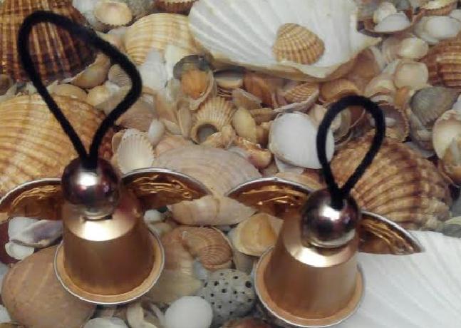 Angelitos de navidad con capsulas