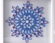 Cuadro floral con tubos de cartón reciclados