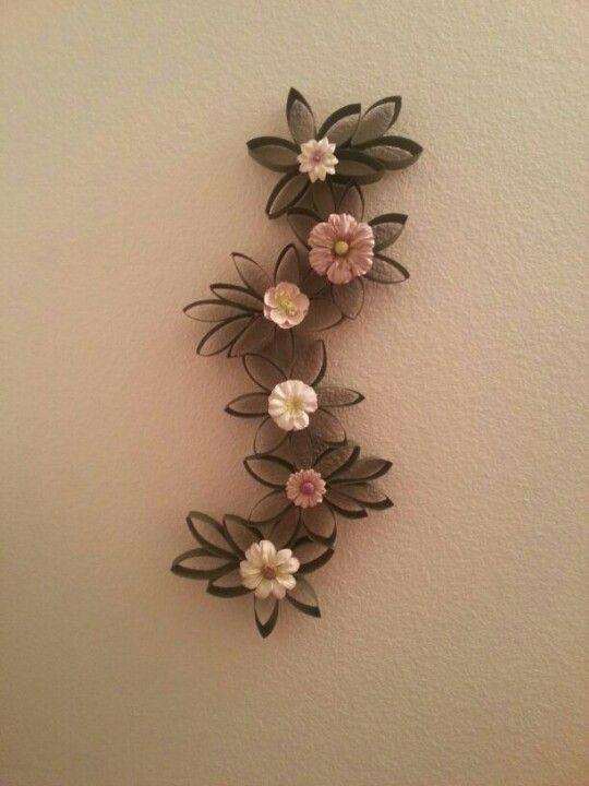Decorar haciendo flores de tubos de cartón de WC