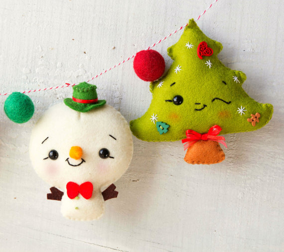 Guirnalda con muñecos de navidad