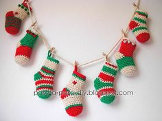 Guirnalda de calcetines de navidad a crochet