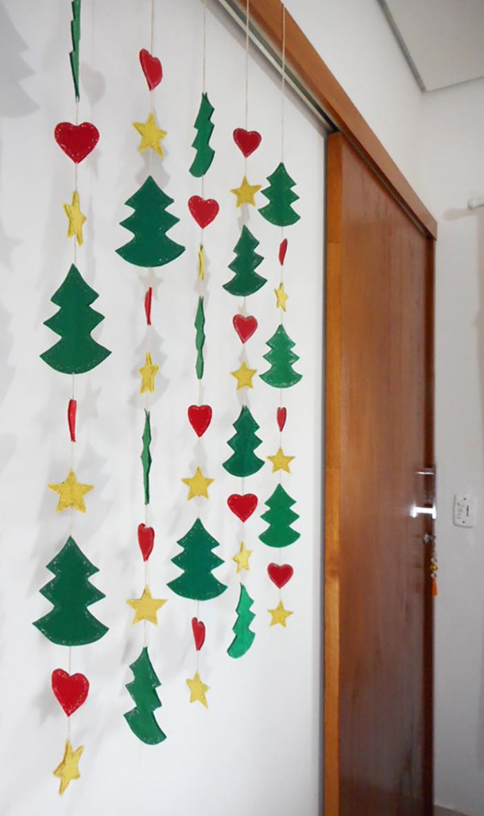 Guirnalda navideña con papeles de colores