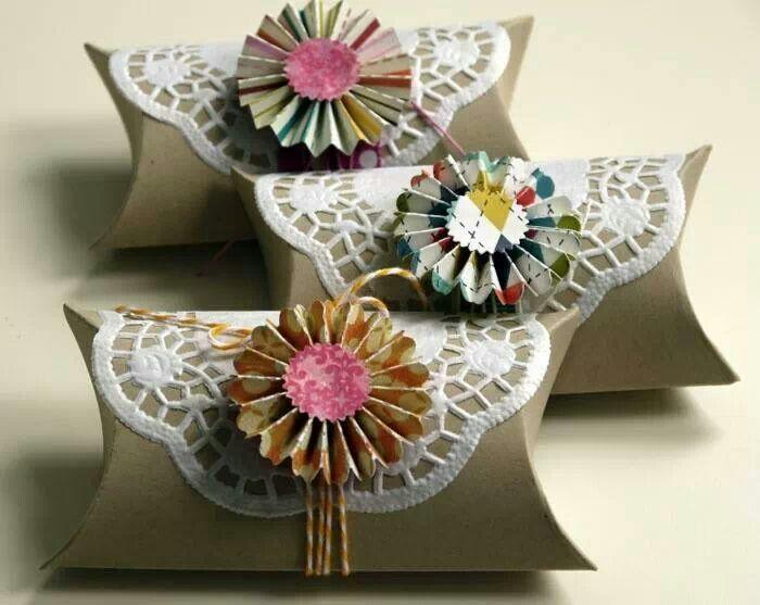 Reciclando tubos de papel higiénico en forma de flores