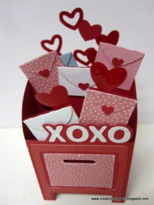 Buzón de San Valentín con mini cartas de amor de creationsbypatti.blogspot.com