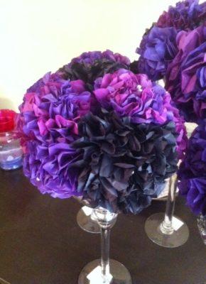 Centro de mesa con papel de seda de diy.weddingbee.com