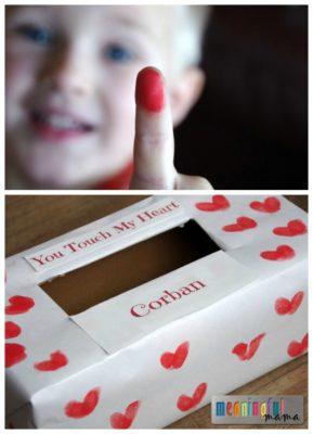 Cómo decorar una caja de San Valentín para hacer un buzón