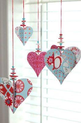 corazones colgantes de san valentin